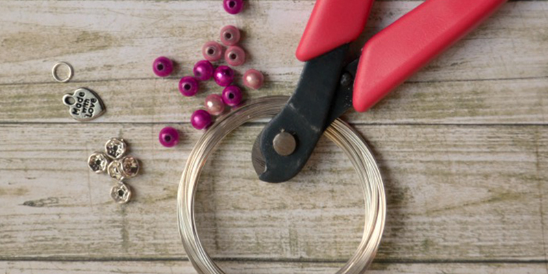 How Handmade Accessories Make Our Economy Stronger?